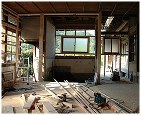 浴室と洗面室のサッシ窓