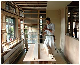 キッチンの間仕切り壁の造作