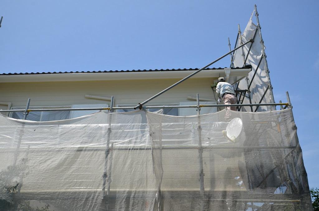屋根の塗料はフッ素系、外壁や軒天、樋はウレタン系