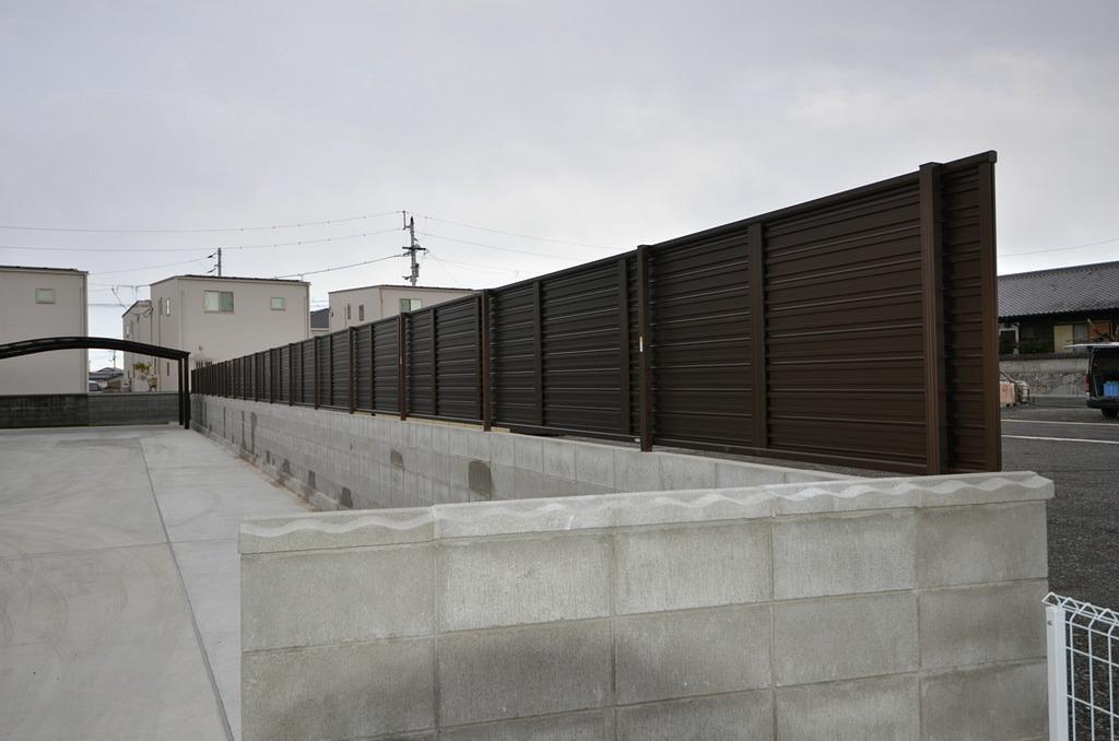 全長が30メートルを超えるフェンス