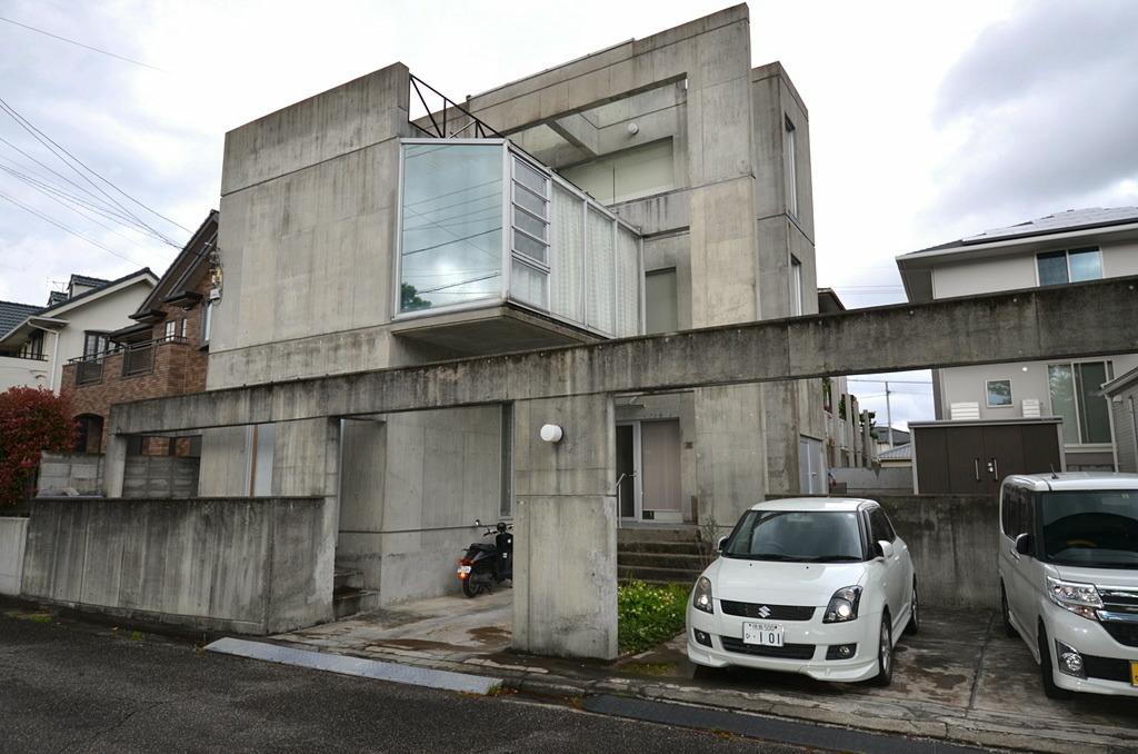 経年による屋根の防水層の劣化